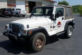 2000 Jeep Wrangler Sahara Edition MPV, 4WD, Soft Top, Jurassic Park Decals! 124,450 Miles, VIN # 1J4FA59S6YP777658
