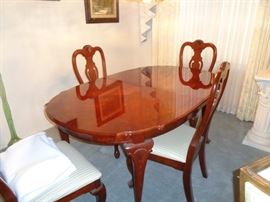 Table/six chairs