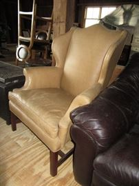 Wing Back LR Chair