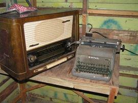 GRUNDIG multiband radio