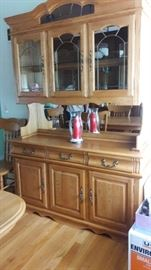 Amish made lighted 2 piece hutch. lined drawers