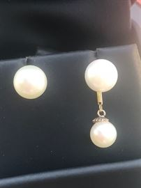Exquisite Pair of Vintage Pearl Drop Earings 14k Yellow Gold. Drops are removable top pearls approximately 7.60mm lowers are 6.20