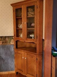 Solid oak cabinet & hutch