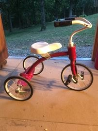 Very vintage the wheels are skinny rare find