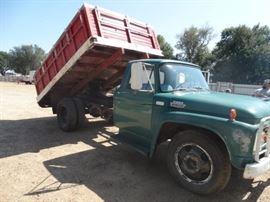1964 Ford 500 Grain truck w hydraulic dump bed
