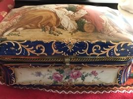 Delicate gilt and handpainted box.