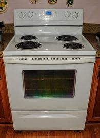 NEWER ELECTRIC STOVE