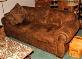 MATCHING BROYHILL LEATHER SOFA