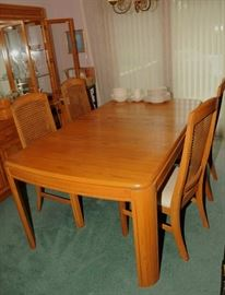 ART MODERN DINING ROOM SET ~ TABLE, CHAIRS & CHINA HUTCH