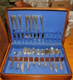 HOLMES & EDWARDS SILVER PLATE FLATWARE