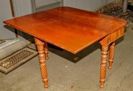 EARLY VICTORIAN GATE LEG DROP LEAF TABLE