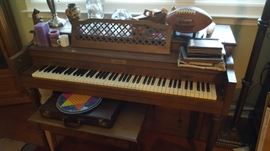 Spinet Piano $100