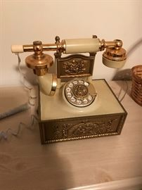 Deco-Tel French style working phone
