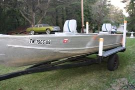 17 Foot Aluminum  Fishing Boat with Evinrude 25HP Motor