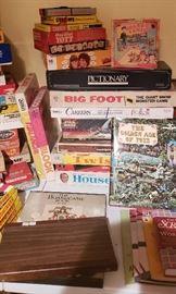 100's of vintage board games