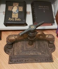 Antique Cast Iron Bible/Book Press (extremely heavy)