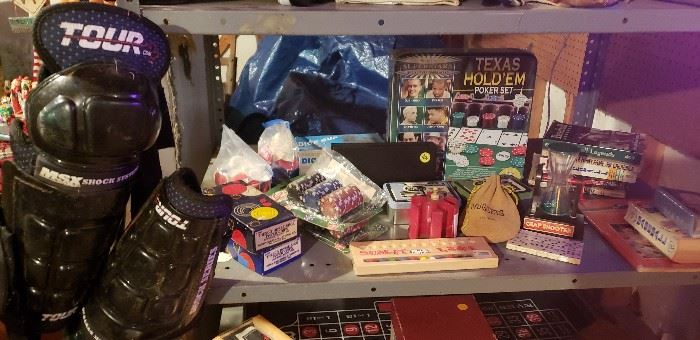 Vintage poker and gambling items, Vintage hockey, ski, fencing, baseball, basketball, football items