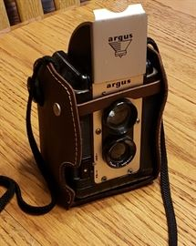 Vintage Argus Lumar 75mm Camera