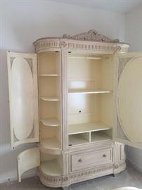 Pulaski cabinet (Inside)