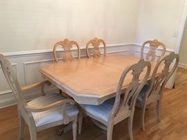 "Stunning dining room table expands from 68-99"" So versatile ,.  AVAILABLE FOR EARLY SALE.  $400.00."
