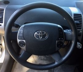2007 Toyota Prius (one owner, 99,000 miles, new battery!)