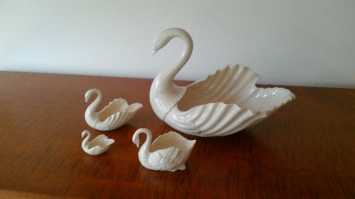 Lenox Swans/ one with green seal