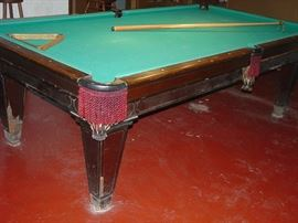 8 ft Brunswick Monarch Cushion Pool Table