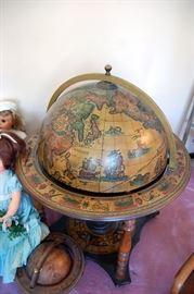 Mid century globe bar, made in Italy