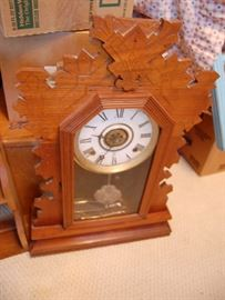 Antique oak gingerbread kitchen clock