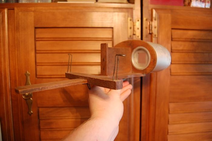 Antique stereo card viewer