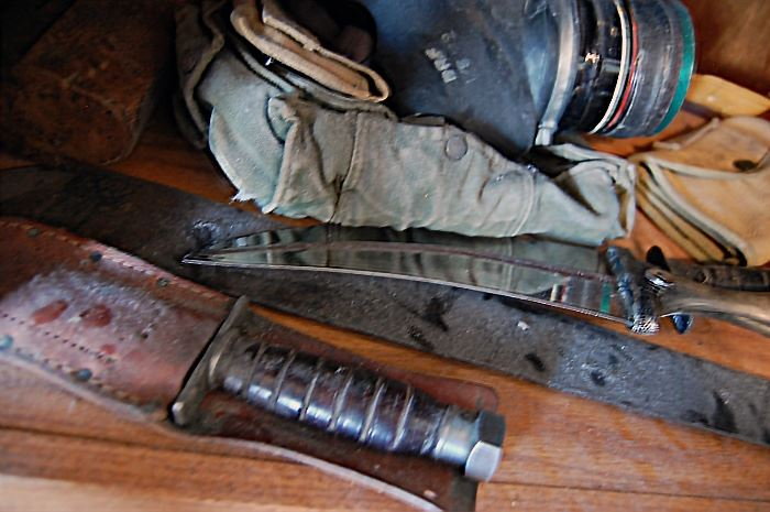 Military knives