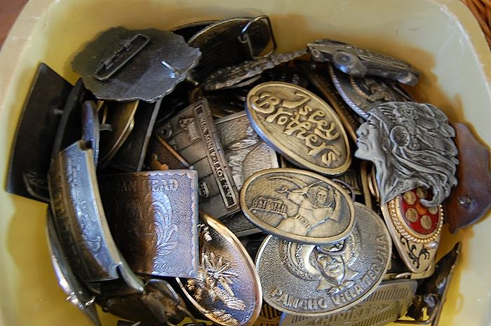 Belt buckle collection, Large