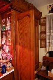 Very nice antique oak armoire