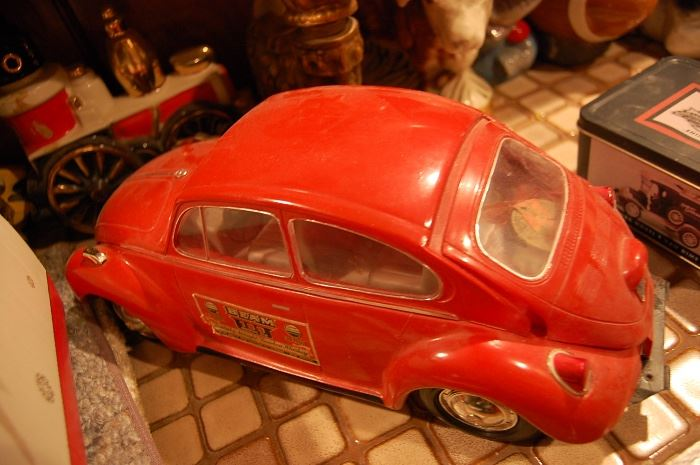 Vintage Jim Beam VW beetle bug decanter