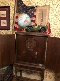 Vintage circa 1930 RCA Radiola tube radio with Jacobean style cabinet (Please read the terms and conditions of the sale along with the contact number as posted) Photo by BC