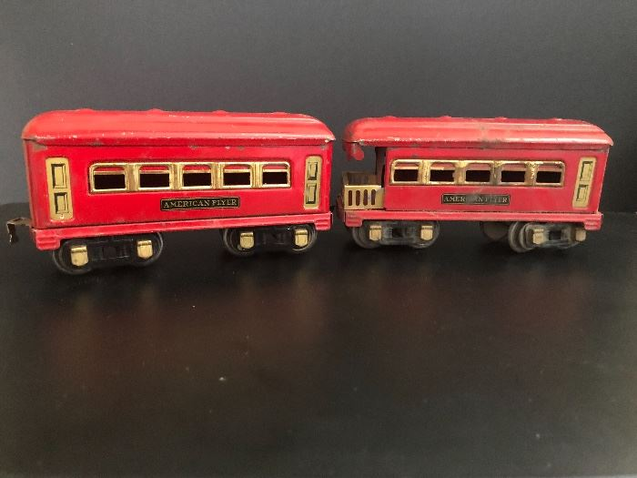 Pre WWII American Flyer Toy Passenger Rail Cars.     Set Up and Photo by BC