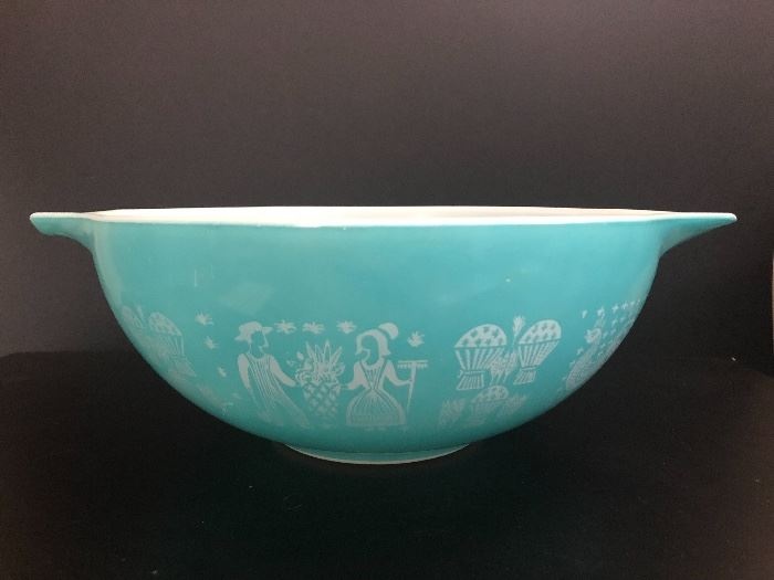 Vintage Pyrex Cinderella Bowl