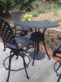 OUTDOOR PATIO HI TABLE AND 4 CHAIRS