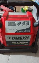 HUSKY SMART BATTERY CHARGER