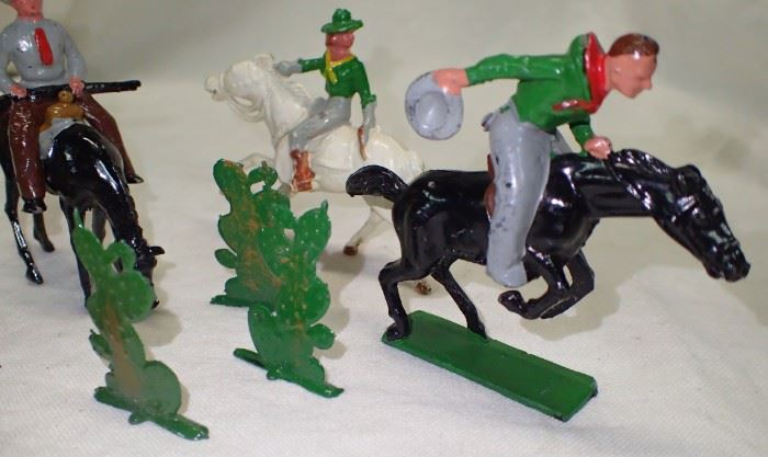 METAL TOY COWBOY AND COWGIRL
