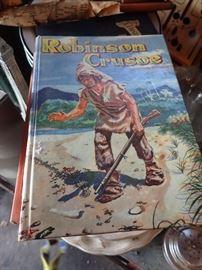 VINTAGE BOOKS ROBINSON CRUSOE
