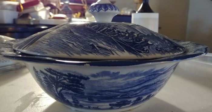 liberty blue historic colonial assorted dishes