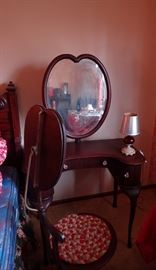 VANITY TABLE WITH MATCHING CHAIRS WITH MIRROR ATTACHED