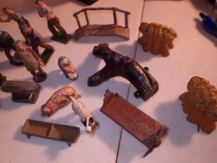 CAST IRON MADE IN ENGLAND ANIMALS / ACCESSORIES