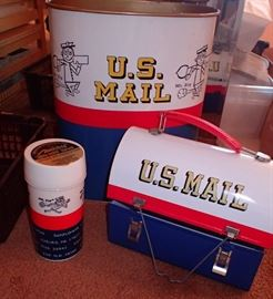 MR ZIP GARBAGE CAN / LUNCH BOX WITH ALADDIN'S  THERMOS