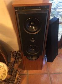 KEF Reference Series Speakers 104-2
