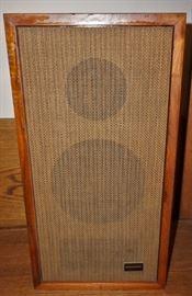 Marantz speaker