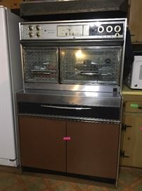 Mid-century Frigidaire Custom Imperial Stove -- this is just like the one at Graceland (and yes, it still works)  Please note this is subject to pre-selling before sale actually starts