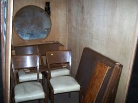 DECO DRESSER & MIRROR, DINETTE TABLE/ LEAF & 4 CHAIRS
