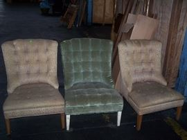 TUFTED PULL-UP CHAIRS